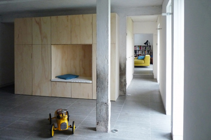 Réhabilitation d'une grange  en maison d'habitation : mobilier boite
