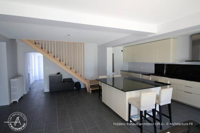 Extension, rénovation et réorganisation d'une maison