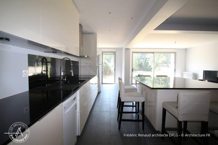 Extension, rénovation et réorganisation d'une maison : séjour cuisine
